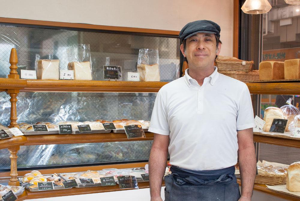 高根台プラザのパン屋さんカスタード主人