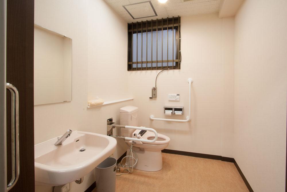 高根台プラザの高根台メンタルクリニック多目的トイレ
